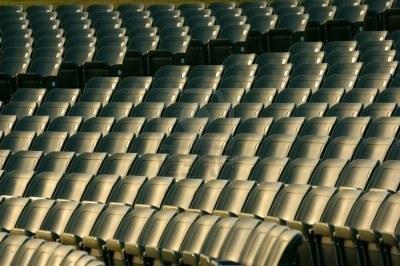 3022393-chaises-vides-de-l-39-auditorium1